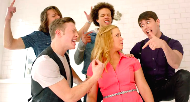 Amy-Schumer-serenaded-by-boy-band-Comedy-Central-800x430